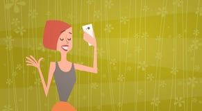 Mädchen, das Selfie-Foto auf Zellintelligentes Telefon-dem jungen Karikatur-Frauen-Lächeln macht stock abbildung
