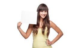 Mädchen, das Zeichen hält Stockfotografie
