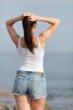 Mädchen in dem Meer Stockfotografie