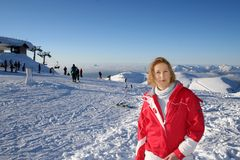 Mädchen in den Alpen Stockfotos