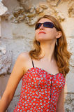 Mädchen in den Sonnegläsern Stockbild