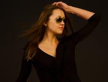 Mädchen in den Sonnenbrillen Lizenzfreies Stockfoto