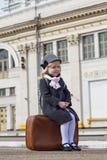 Mädchen an der Bahnstation Lizenzfreies Stockbild