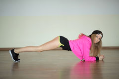 Mädchen in der Gymnastik Lizenzfreie Stockbilder