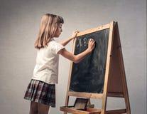 Mädchen in der Klasse lizenzfreie stockfotografie