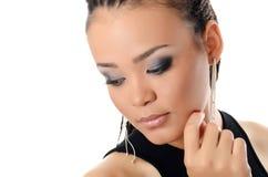 Mädchen der Mulatte mit einem schönen Make-up stockbilder