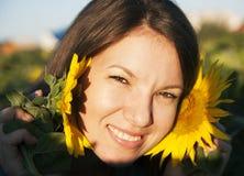 Mädchen in der Sonnenblume Stockfoto