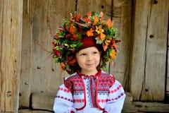 Mädchen in der ukrainischen nationalen Kleidung Lizenzfreie Stockfotografie