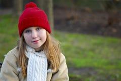 Mädchen in der Winterkleidung lizenzfreies stockfoto