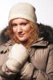 Mädchen in der Winterkleidung Lizenzfreie Stockfotos