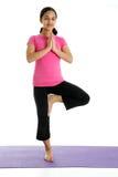 Mädchen in der Yoga-Haltung stockbilder