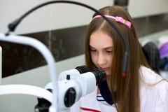 Mädchen - Doktor Lizenzfreie Stockfotos