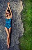 Mädchen in einem Badeanzug Lizenzfreies Stockfoto
