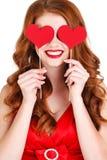 Mädchen in einem Valentinstag mit einem Herzen auf einem Stock Lizenzfreie Stockbilder