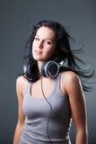 Mädchen genießt Musik Lizenzfreies Stockbild