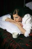 Mädchen im Bett stockfoto