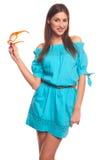 Mädchen im blauen Kleid mit Glasisolat auf weißem Hintergrund Lizenzfreie Stockfotos