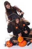 Mädchen im Halloween-Kostüm Stockfoto