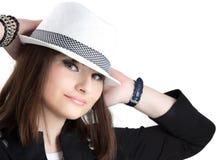 Mädchen im Hut Stockfoto