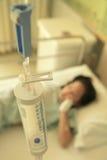 Mädchen im Krankenhaus lizenzfreie stockbilder
