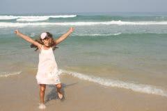 Mädchen im Meer Lizenzfreies Stockbild