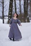 Mädchen im mittelalterlichen Kleid Lizenzfreie Stockfotografie