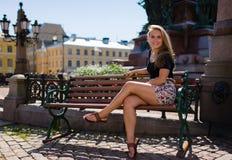 Mädchen im Park stockfoto