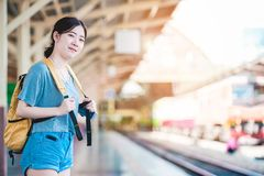 Mädchen im Reisemoment Stockbild