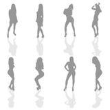 Mädchen im silbernen Farbschattenbild Lizenzfreies Stockfoto
