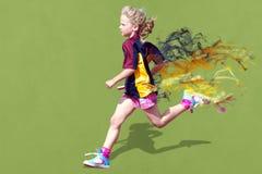 Mädchen im Sportrennen Lizenzfreie Stockfotos