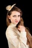 Mädchen im viktorianischen Kleid mit Haarstück Lizenzfreies Stockfoto