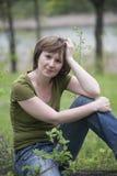 Mädchen im Wald Lizenzfreie Stockfotos