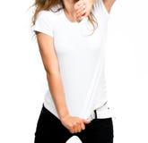 Mädchen im weißen T-Shirt Stockbilder