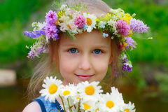 Mädchen im Wreath Lizenzfreie Stockfotos
