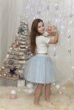Mädchen liebt Weihnachten Stockbild