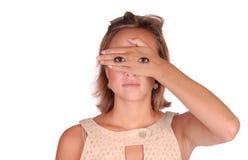 Mädchen mit Augen an Hand Lizenzfreie Stockfotos