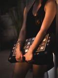 Mädchen mit Backgammon Lizenzfreie Stockfotografie