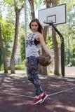 Mädchen mit Ball Stockfotos