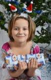 Mädchen mit Baum lizenzfreies stockbild