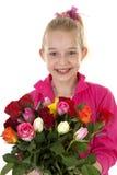 Mädchen mit Blumenstrauß der bunten Rosen Lizenzfreies Stockbild