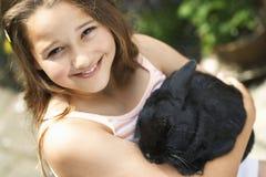 Mädchen mit Bunny Rabbit Lizenzfreies Stockfoto