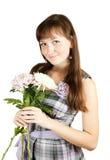 Mädchen mit Chrysanthemeblume lizenzfreie stockfotografie