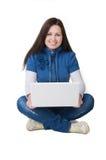 Mädchen mit Computer Lizenzfreie Stockfotografie