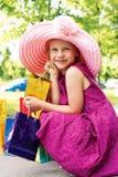 Mädchen mit dem Einkaufen Lizenzfreie Stockbilder