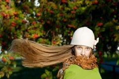 Mädchen mit dem Flugwesen-Haar Stockbilder