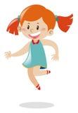 Mädchen mit dem rotem Haarspringen Stockfoto