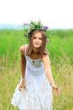 Mädchen mit dem Wreath Lizenzfreie Stockfotos