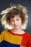 Mädchen mit dem zerknitterten Haar lizenzfreie stockfotos