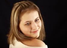 Grau-äugige Jugendliche, 17 Jahre alt, das Haar mit Höhepunkten, Stockfoto