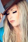 Mädchen mit einem Hut Stockfoto